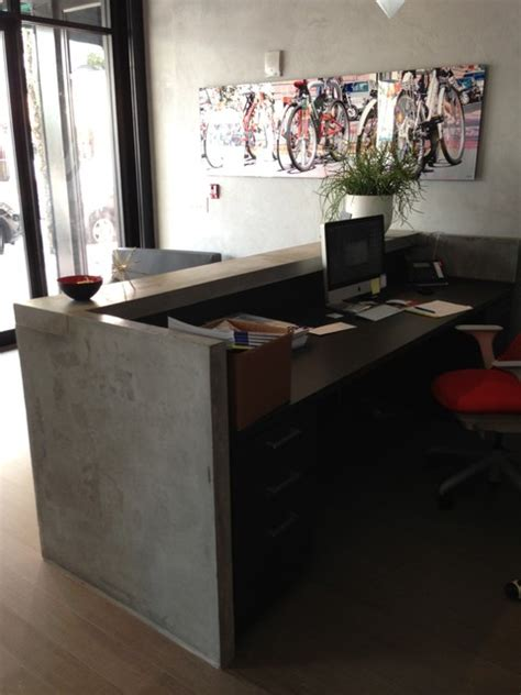 Reception desk   Industrial   Kitchen   Miami   by Porto