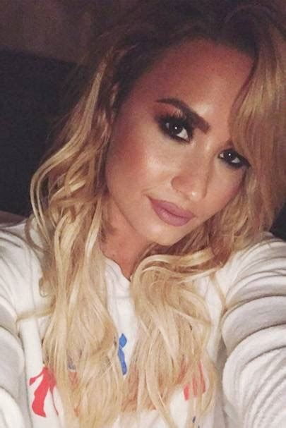 demi lovato new blonde hair demi lovato new blonde hair pictures from brunette to