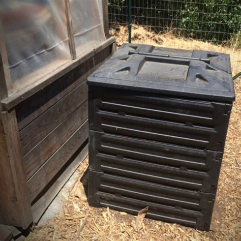 Backyard Composting Bin by 7 Easy Steps To Backyard Composting Compokeeper