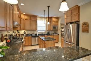 honey maple kitchen cabinets onixmedia kitchen design