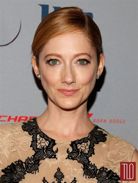 judy greer orange is the new black judy greer in alexander mcqueen at the quot married quot ny series