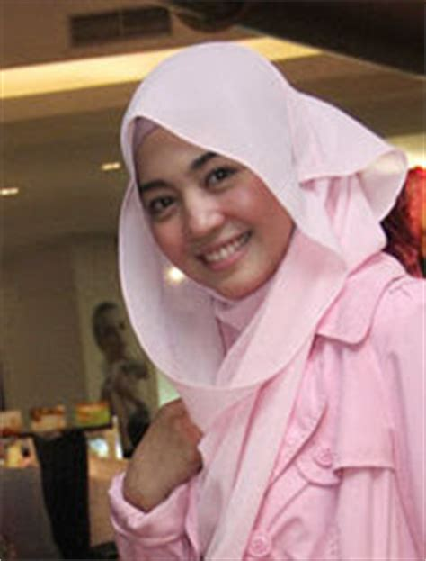 tutorial cara berhijab ala nuri maulida hijab cantik ala nuri maulida tutorial hijab