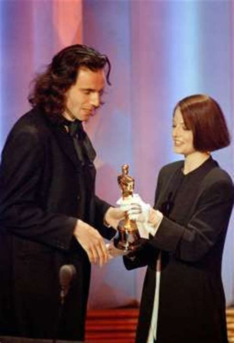 Winners From The Four Days Of The Foster Grant Pair A Day Giveaway by 21 Best Images About 62nd Academy Awards On
