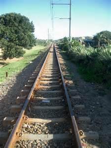une ligne de chemin de fer entre noum 233 a et koumac le