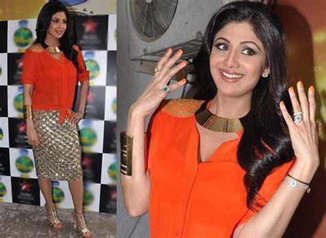 Shilpa Shetty Is The New Bond deepika and shilpa shetty bond filmfare