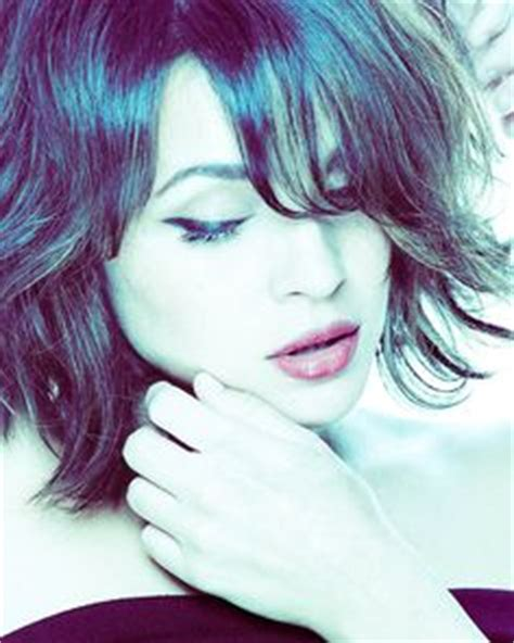50ish haircuts norah jones america s jazz darlin favorite music