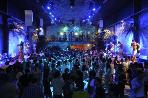 Top Clubs And Bars by 4 Top Clubs And Bars In Las Palmas Rent A Car Best Price