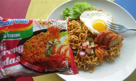 membuat mie goreng dengan indomie image gallery indomie goreng telor