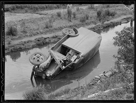 impressive vintage   car accidents       vintage everyday