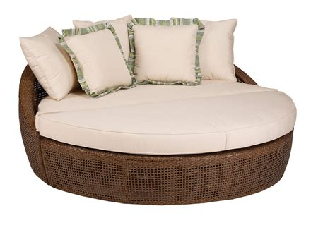 Round Chaise Lounge Indoor Outstanding Round Chaise Lounge Designs Decofurnish