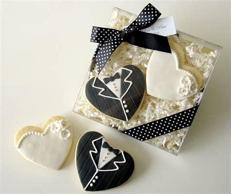 Wedding Giveaways Uk - cookies wedding favors ideal weddings