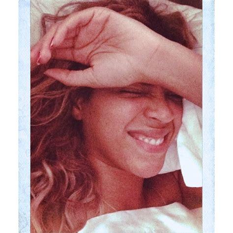 selfie in bed beyonce shares makeup free selfie in bed cambio