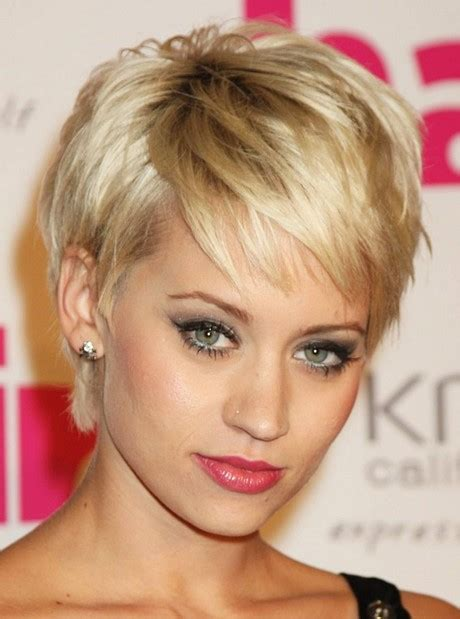 dos and donts for pixie hairstyles for women with round faces hair cut shot