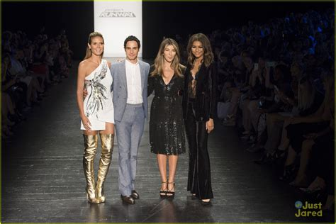 Project Runway Finale Tonight by Photos Zendaya Is On Project Runway Tonight Photo