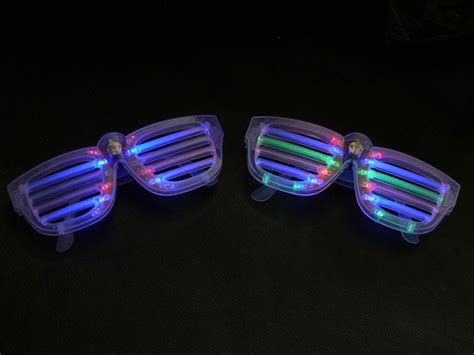 light up glasses to freak out the darkness