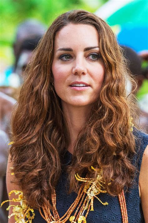 kate middleton looks gorgeous with new hairstyle rides kate middleton haircut what to ask for www pixshark com