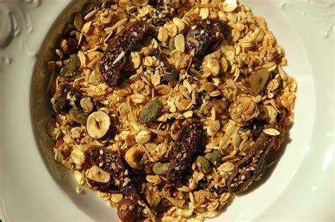 Muesli Toasted fig and hazelnut toasted muesli healthy home cafe