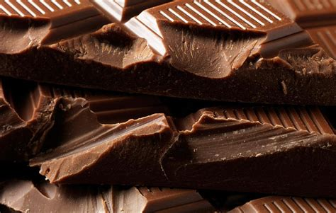 eating chocolate before bed the 4 worst and best things to eat before bed men s health