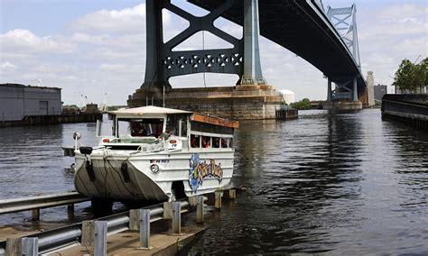 boat crash kills 17 duck boat crash victims awarded 17m settlement after
