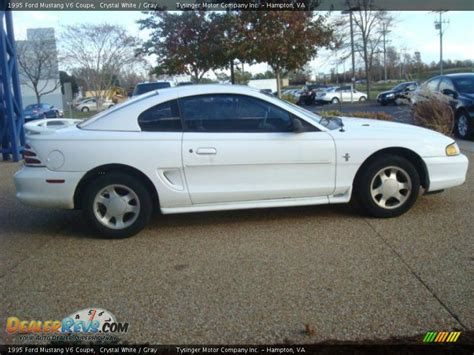 1995 white mustang 1995 ford mustang v6 coupe white gray photo 7