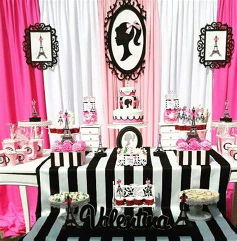 ideas de decoraciones para quinceaneras tema paris 101 fiestas fiesta tem 225 tica de barbie moda en par 237 s