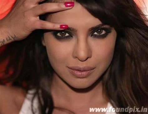 bollywood actresses with eye problems priyanka chopra stunning eyes priyankachopra foundpix