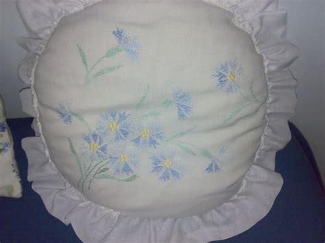 cuscini ricamati cuscini ricamati arte e fantasia