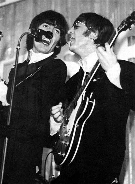 imagine de john lennon y george harrison george harrison and john lennon the beatles pinterest