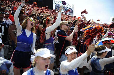 auburn football fan gear streak watch auburn super fan extends absurd attendance