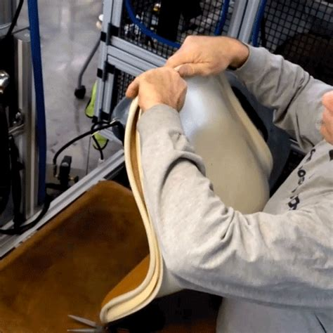 how charles and eames shell chair is constructed in