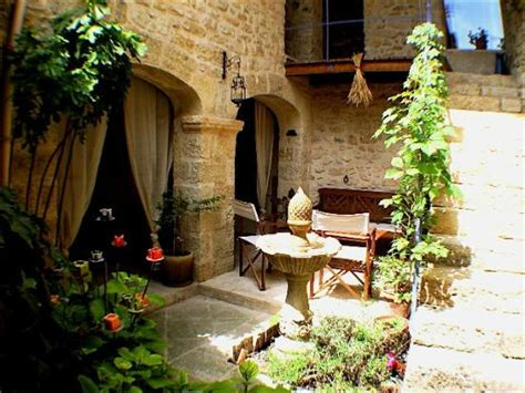 Un Patio En Luberon by Un Patio En Luberon Ansouis B B Reviews