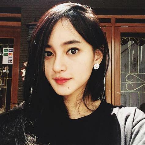 tercantik cewe model cd ini 5 foto selfie wanita tercantik indonesia di twitter