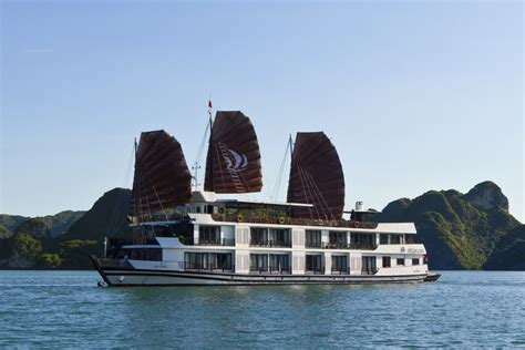 mid range halong junks lowest prices for junk tours in - Pelican Junk Boat Halong Bay