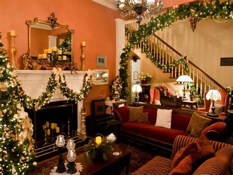 Homes Decorated For Christmas On The Inside | beautiful decorated christmas house christmas decorated
