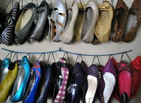 Rak Sepatu Yang Digantung agar sepatumu nggak berceceran membuat 10 rak sepatu ini