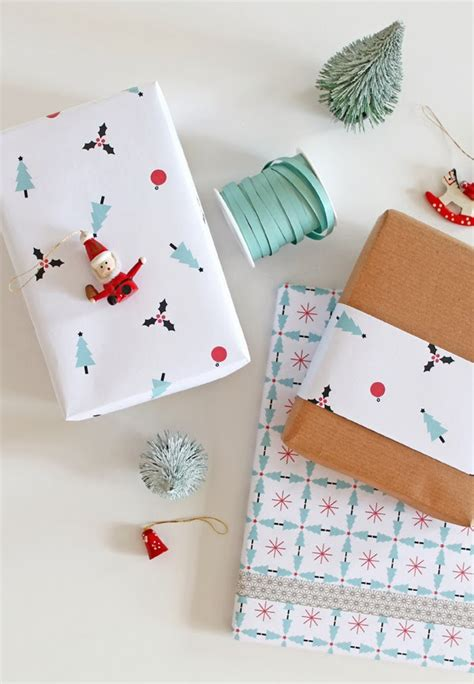 free printable holiday wrapping paper giochi di carta christmas wrapping paper free printable