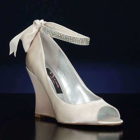 1000  ideas about Wedge Wedding Shoes on Pinterest   Lace