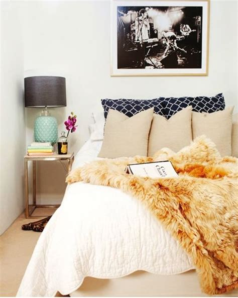 Fur Bedroom Decor by The Idea Of All White Bedding With A Fluffy Faux Fur