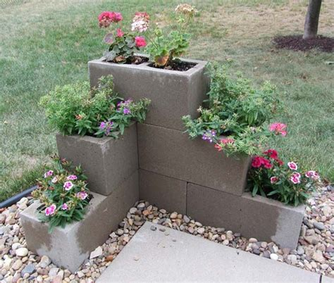 cinder block planter 25 best ideas about concrete blocks on garden edging blocks flower garden borders