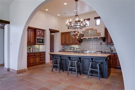 Spanish Style Kitchen Cabinets by 31 Modern And Traditional Spanish Style Kitchen Designs