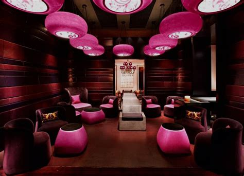 The Living Room Nightclub Dubai Bar Interior Decorated With Pink Happens