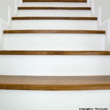 Comment Renover Un Escalier 3020 by R 233 Nover Un Escalier En Bois 03 12 2010 Dkomaison