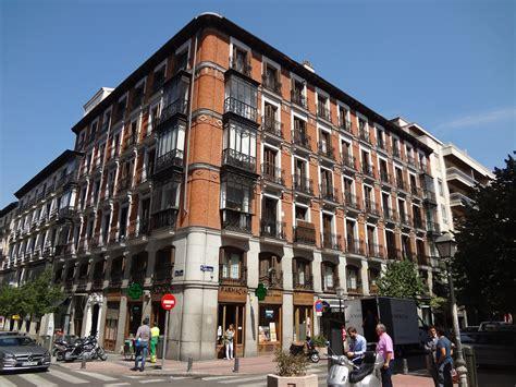 apartamentos barrio salamanca madrid file brick building barrio de salamanca madrid spain jpg
