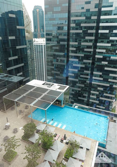 hotel review  westin singapore  infinity pool chamelle photography travel