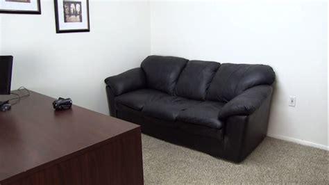 black couch interviews 12 canap 233 s mythiques que vous connaissez forc 233 ment