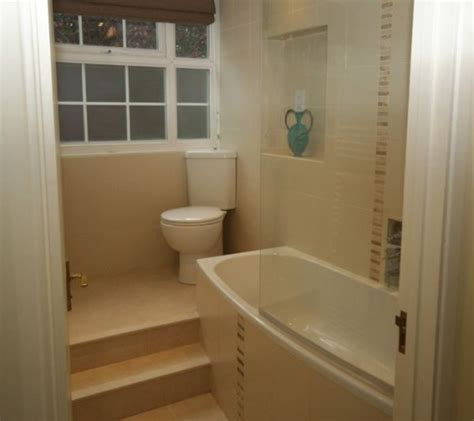 On Suite Bathrooms In Small Spaces by Decorating Tips For Smaller En Suite Bathrooms