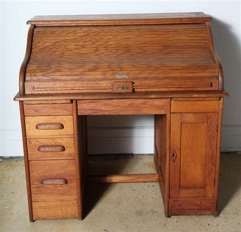 victor safe and lock oak roll top desk at 1stdibs