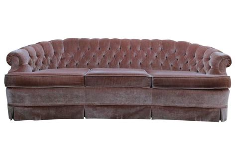 pink tufted sofa 1960s tufted pink velvet chesterfield sofa at 1stdibs