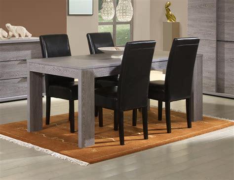table salle a manger table de salon en verre objets