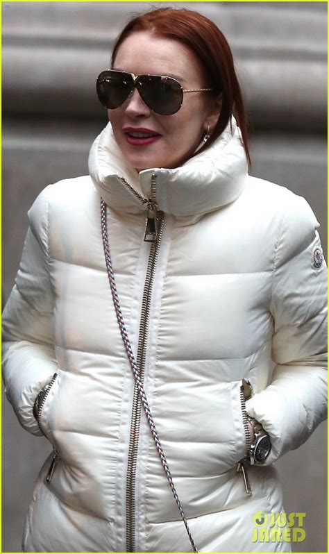 lindsay lohan friends lindsay lohan spends the day in nyc with friends photo